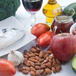 11 продуктів, що знижують холестерин. cholesterol levels, hdl, ldl, групи ризику, ліпопротеїни, лпвщ, лпнщ, норма холестерину, поради, раціональне харчування, рекомендації, холестерін